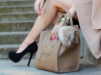 7 Ways to Accessorize Your Bag ...