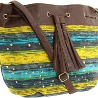 8 Big Bold Beach Bags ...
