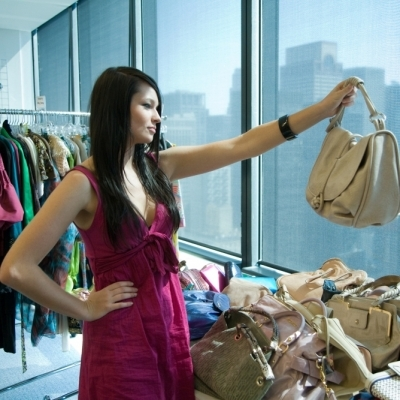 7 Steps to Picking out a Purse for All Seasons ...