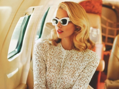 7 Beauty Products to Take with You on a Plane ...