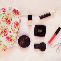 8 Helpful Hints in Organizing Your Makeup ...