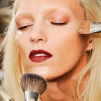 7 Tips on How to Care for Makeup Brushes ...