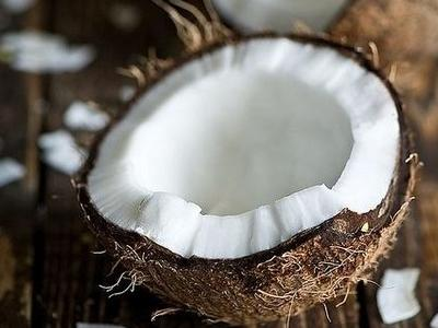 8 Beauty Benefits of Coconut Oil ...