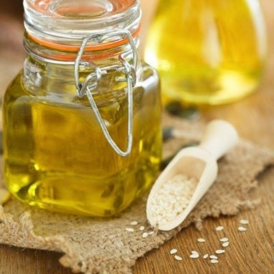 7 Astounding Beauty Benefits of Sesame Oil ...