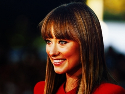 7 Celebrities Proving That Bangs Are Back ...