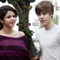 Selena & Justin Hold Hands - Almost! ...