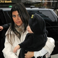 4 Photos of Kim and Kourtney Shop Scoop ...