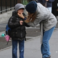 6 Photos of SJP and James Stay Warm ...