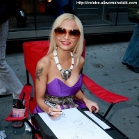 13 Photos of Tila's Caricature ...