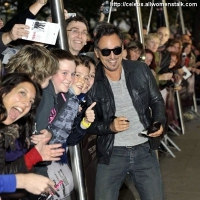 3 Photos of the Boss in London …