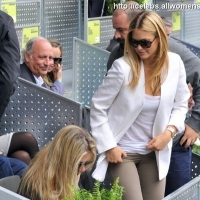 4 Photos of Bar is a Tennis Spectator ...