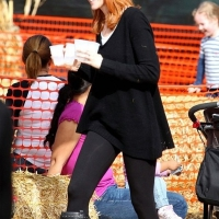 11 Photos of Marcia and Twins at the Pumpkin Patch ...