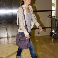 6 Photos of Olivia's Casual Departure ...