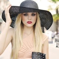 See How These Stylish Celebrities Pull off Floppy Hats ...