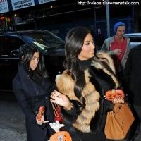 8 Photos of Kardashians Get Halloween Candy ...