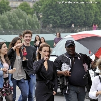 14 Photos of 'Gossip Girl' Heads to Paris ...
