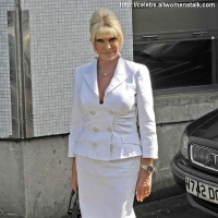 3 Photos of Ivana in London ...
