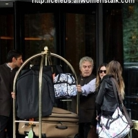 7 Photos of Rachel Leaving Milan ...