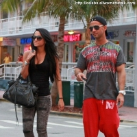 "8 Photos of ""Jersey Shore"" Gang Sticks to Routine ..."