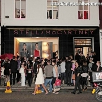 6 Photos of Fashion Night out ...