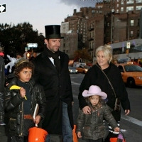 3 Photos of the Jackmans Trick-or-treat ...