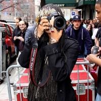 4 Photos of Erykah Badu Playing Paparazzi...