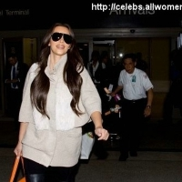 4 Photos of Kardashians Arrive ...
