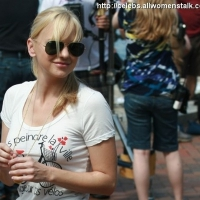 11 Photos of Anna Faris and Chris Evans Film by the Water ...