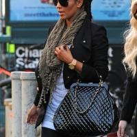 6 Photos of Kim Kardashian Leaves Her Hotel ...