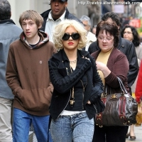 16 Photos of Aguilera's Mother's Day Shopping Spree ...