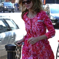 4 Photos of Trinny Supports England in Pink ...