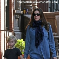 5 Photos of Liv and Milo Walk to School ...