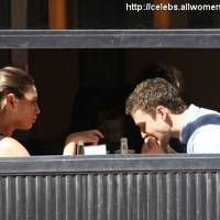 7 Photos of Mila and Justin's Friendly Lunch ...