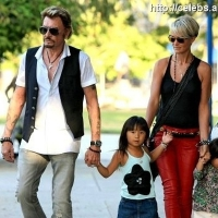6 Photos of Hallyday's Family Day out ...
