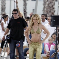 7 Photos of Shakira is Golden ...