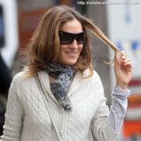 4 Photos of SJP and James Head out ...