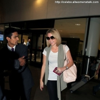 4 Photos of Smiling Amanda Holden Arrives in LA ...