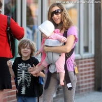 7 Photos of SJP's Happy Baby ...
