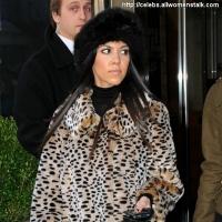 3 Photos of Kardashians Go to Work ...