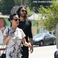 11 Photos of Katy and Russell at Lunch ...
