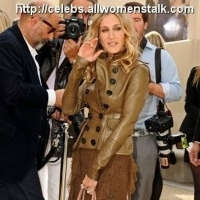 4 Photos of SJP at Burberry for London Fashion Week ...