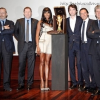 5 Photos of Naomi and the FIFA World Cup Trophy ...