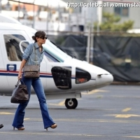 7 Photos of Katie Holmes at the Heliport ...