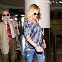 3 Photos of Melanie's Striped Departure ...
