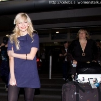 6 Photos of Pixie Lott Getting Swarmed ...