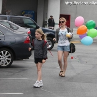 6 Photos of Anna Paquin and Her Balloons ...