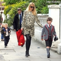 6 Photos of Claudia Schiffer Ready to Pop ...