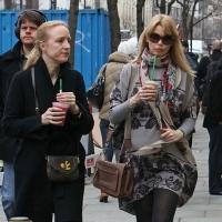 6 Photos of Claudia Schiffer's Starbucks Treat...