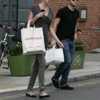9 Photos of Lara's Lunch Date ...