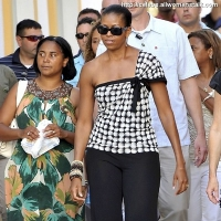 3 Photos of Michelle Strolls Marbella ...